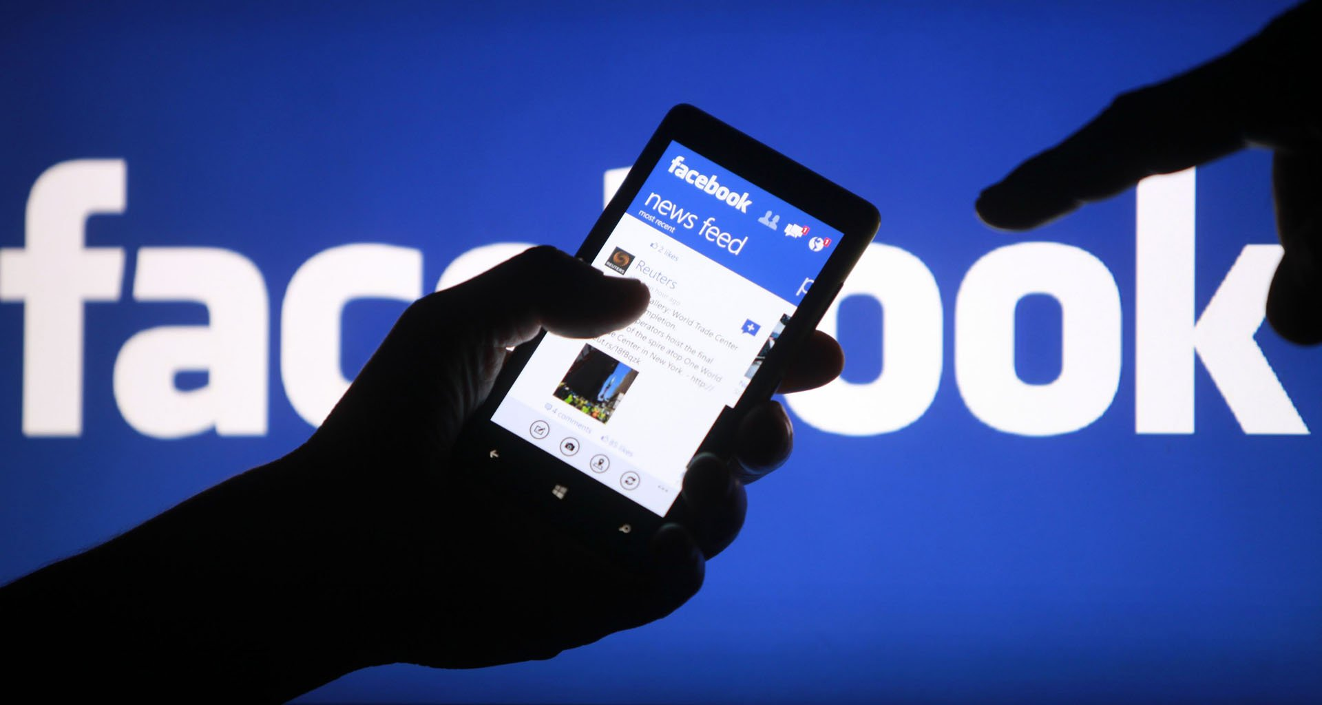 Facebook променя алгоритъма на новинарската лента
