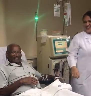 Лекари заразяват пациенти да танцуват в отдела по Хемодиализа