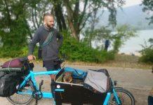 Михаел продава карго-велосипед, за да се прибере