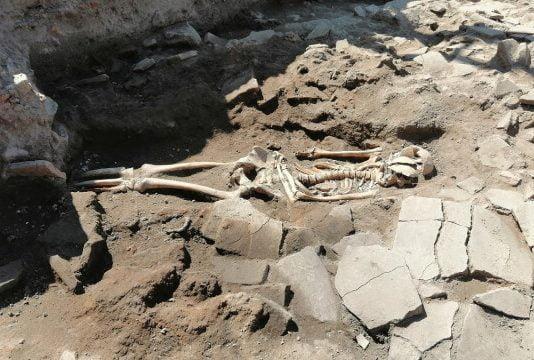 Скелет откриха под ресторант в Пловдив