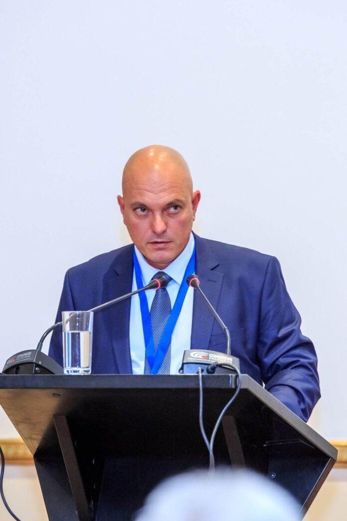 Ковид хаос и бездействието на властите в България